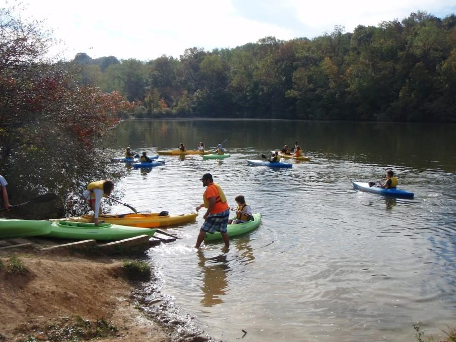 Phys ed students paddle in Peters