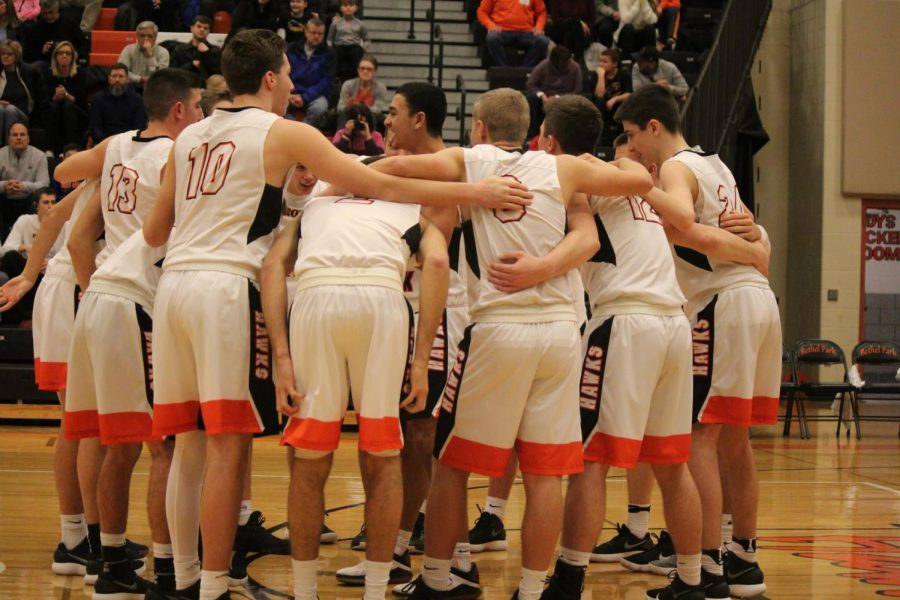 The Hawks huddle up during their game against USC on Feb. 9.
