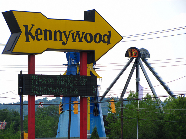 The+Kennywood+sign+with+the+Black+Widow+in+the+background.+
