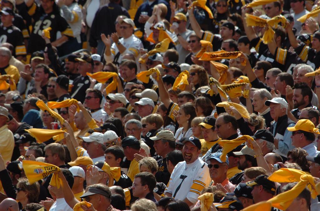 Steelers fans unite at Heinz Field