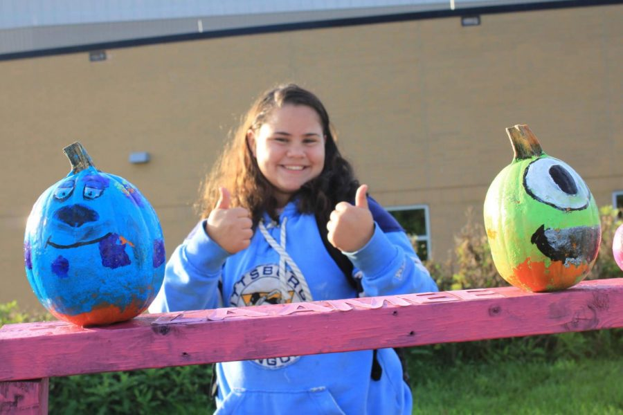 EXCITED+TO+LAUNCH+HER+PUMPKIN%2C+freshman%2C+Angelina+Magnotti%2C+is+giving+the+camera+a+nice+thumbs+up+before+her+launch.