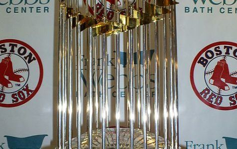 World Series Trophy breaks during Boston's celebration parade