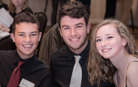Slideshow: Band members smile at banquet