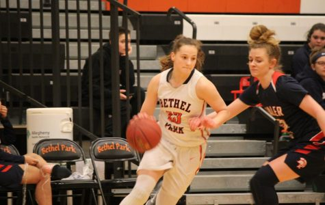 Lady Hawks defeat Titans on the road