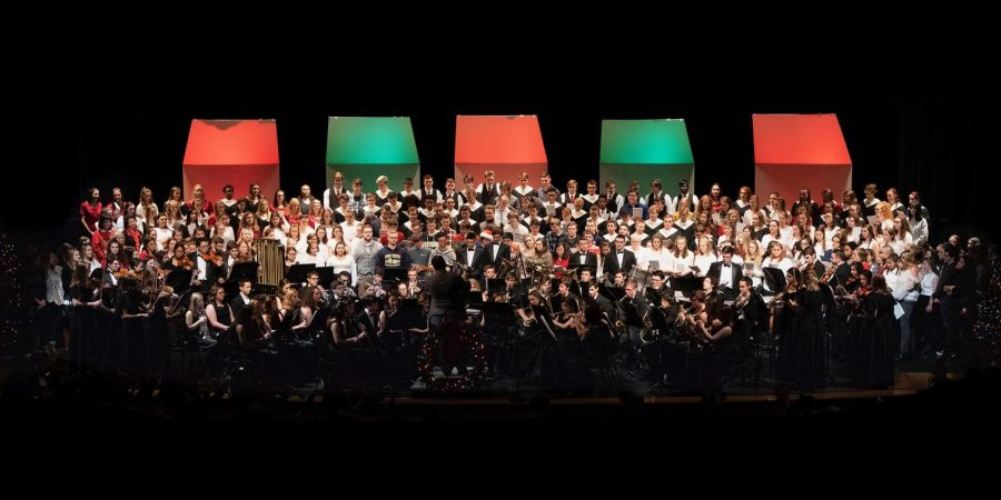 ALL+TOGETHER%2C+all+of+the+ensembles+who+performed+in+the+winter+concert+sing+peacefully+on+stage+with+some+BPHS+alumni.