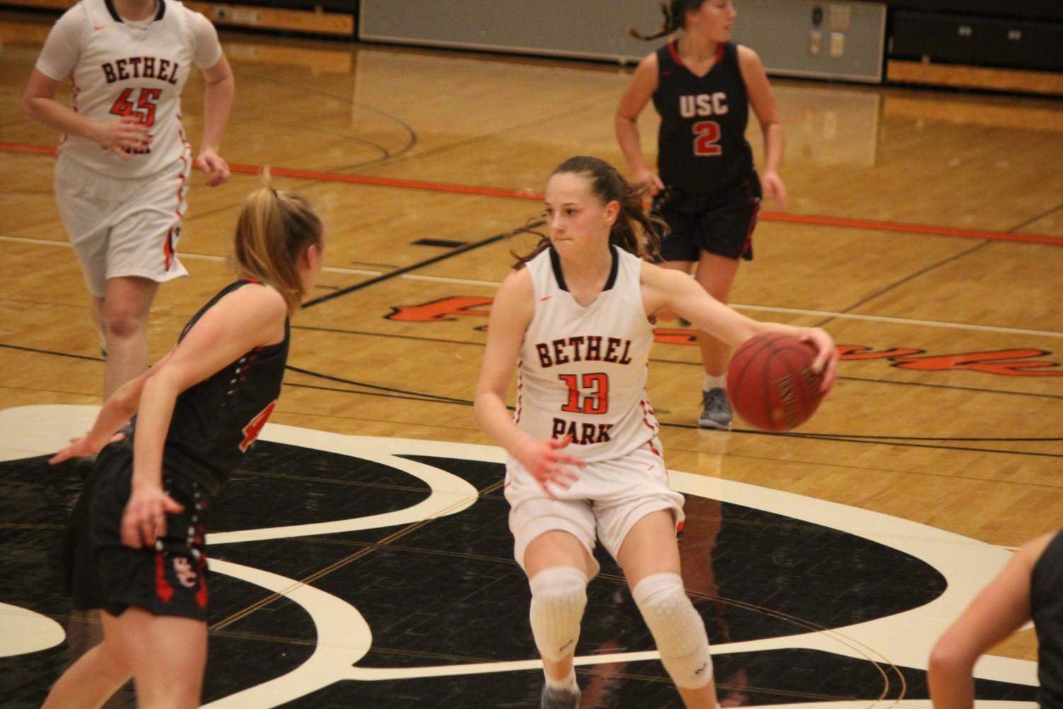 Maddie Dziezgowski weighs her options in the Lady Hawks' game vs. USC on Jan. 25.