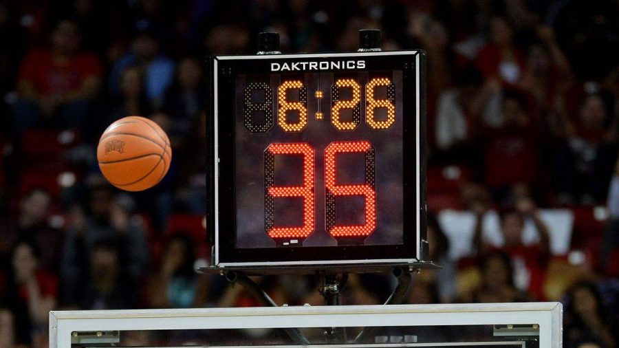 What is the average time a college basketball game lasts ...