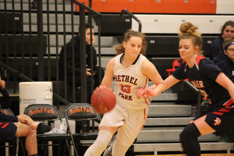 Maddie+Dziezgowski+dribbles+past+a+Shaler+player+during+their+game+on+Feb.+9%2C+2018.