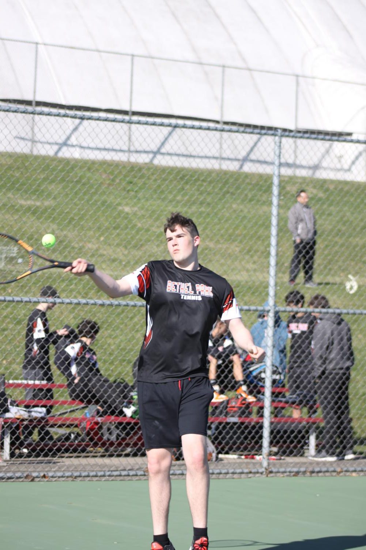 Evan+hitting+a+forehand+