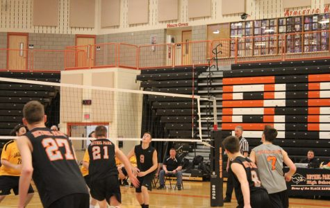 Boys volleyball comes from behind, holds onto undefeated season