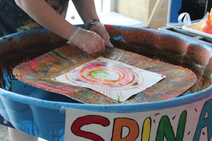 BPHS student Erin Dublin creates spin art at the Arts Fest & STEAM Expo May 6, 2018.