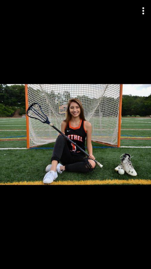 Sami+smiles+for+her+lacrosse+pic