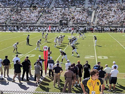 McKenzie Milton pass complete to Michael Colubiale for 11 yards to the UCF 36 for a 1st down in the opening play