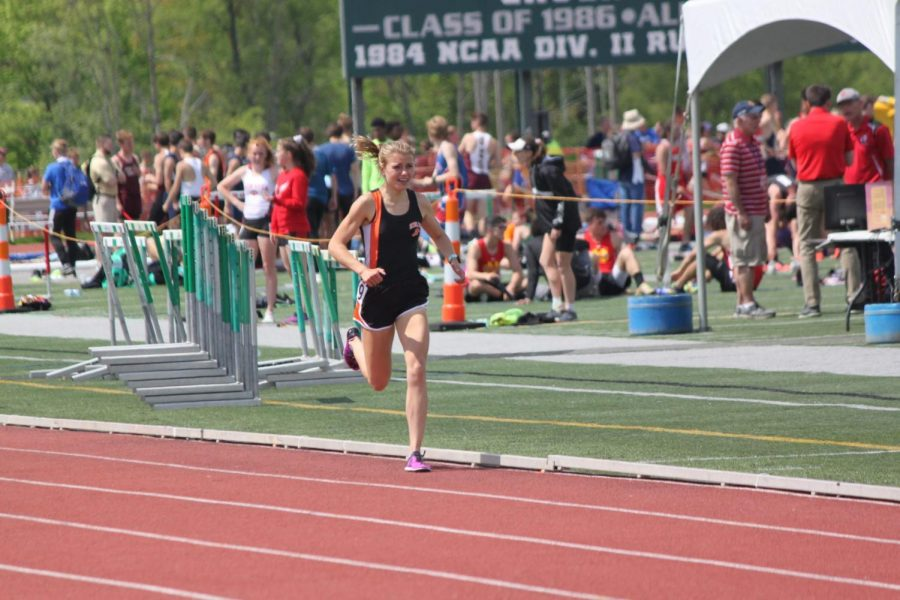 Emily+Carter+eyes+the+finish+line+in+the+1600m+run+of+the+WPIAL+Championships+on+May+16.+Carter+won+the+race+in+a+time+of+4%3A59.