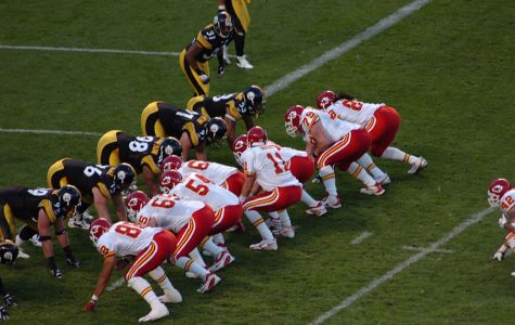 The Kansas City Chiefs lineup on offense for a play against the Pittsburgh Steelers defense on October 15, 2006. The Steelers own the game 45-7.