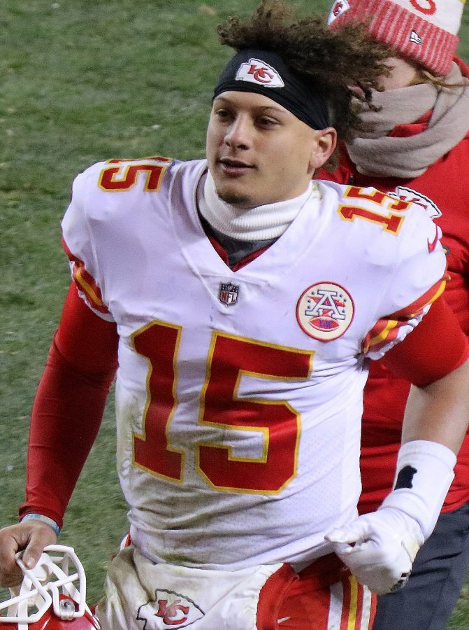 Chiefs+quarterback+Patrick+Mahomes+II+takes+the+field+during+a+game+against+the+Denver+Broncos+on+Dec.+31%2C+2017.+The+Chiefs+won+the+game+27-24.
