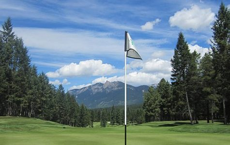 Flag at Spur Valley Golf Course.
