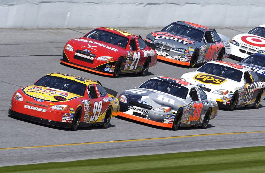 DAYTONA+INTERNATIONAL+SPEEDWAY%2C+Fla.+--+The+Air+Force+Ford-sponsored+Wood+Brothers+No.+21+Ford+Taurus%2C+driven+by+Ricky+Rudd%2C+is+shown+here+during+a+practice+run+Feb+11.+He+is+preparing+for+the+Daytona+500+race%2C+which+will+be+held+here+Feb.+15.+%28U.S.+Air+Force+photo+by+Larry+McTighe%29