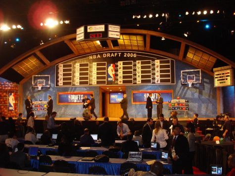 https://commons.wikimedia.org/wiki/File:2006_NBA_Draft.jpg