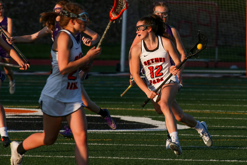 Caitlyn+Schultz+carries+the+ball+towards+the+goal+in+the+Lady+Hawks%27+game+vs.+Baldwin+on+May+6%2C+2019.